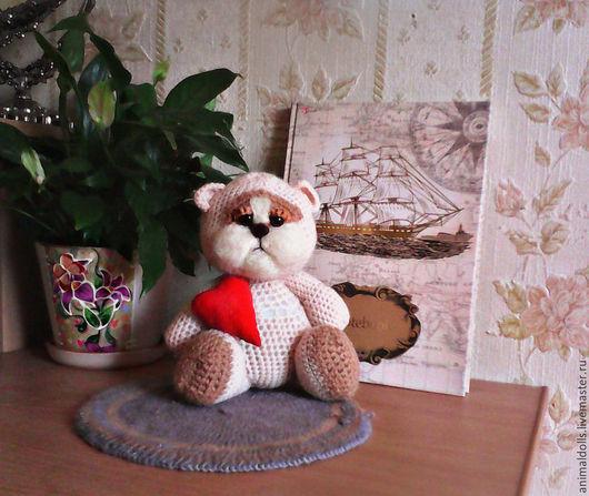 Игрушки животные, ручной работы. Ярмарка Мастеров - ручная работа. Купить Вязаный мишка. Handmade. Бежевый, красный, сердце
