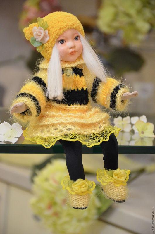 """Коллекционные куклы ручной работы. Ярмарка Мастеров - ручная работа. Купить Авторская интерьера кукла """"пчелка"""" в технике теддидолл. Handmade."""