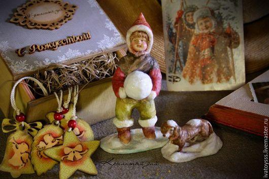 Новый год 2017 ручной работы. Ярмарка Мастеров - ручная работа. Купить Новогоднее интерьерное украшение из антикварных фигурок На прогулке. Handmade.
