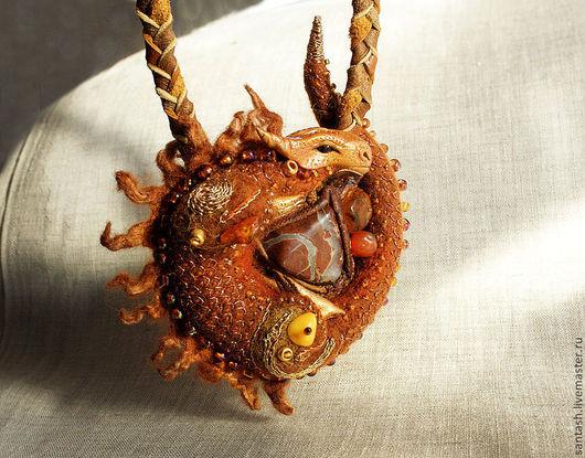 Миниатюра ручной работы. Ярмарка Мастеров - ручная работа. Купить Медный дракон. Handmade. Оранжевый, сказочный персонаж, шерсть, янтарь