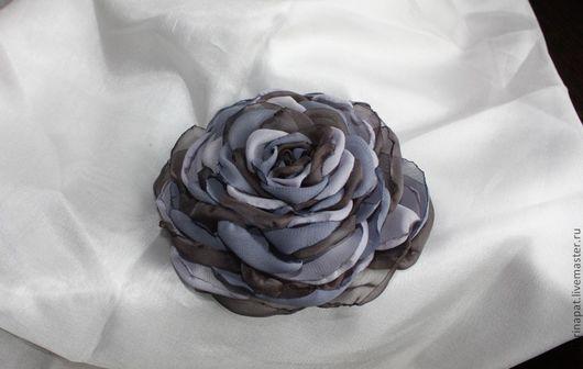 """Диадемы, обручи ручной работы. Ярмарка Мастеров - ручная работа. Купить Роза """"Серая дымка"""". Handmade. Роза из ткани"""