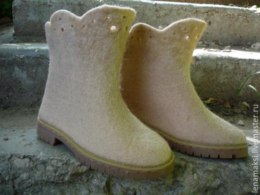 """Обувь ручной работы. Ярмарка Мастеров - ручная работа. Купить Сапожки валяные """"Кремовый ажур"""". Handmade. Кремовый, сапоги женские"""