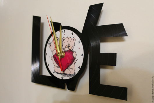 """Часы для дома ручной работы. Ярмарка Мастеров - ручная работа. Купить Часы из виниловой пластинки """"LOVE"""". Handmade. Черный, часы"""