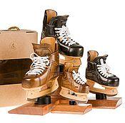 Сувениры и подарки ручной работы. Ярмарка Мастеров - ручная работа Подарки хоккеисту. Резной хоккейный конек. Handmade.