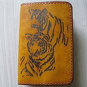 Обложки ручной работы. Ярмарка Мастеров - ручная работа Обложка кожаная для паспорта. Пирография. Handmade.