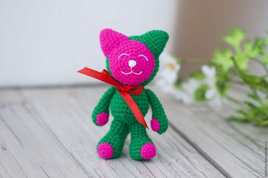 Игрушки животные, ручной работы. Ярмарка Мастеров - ручная работа. Купить Котик Умничка (11 см) игрушка детям амигуруми. Handmade.