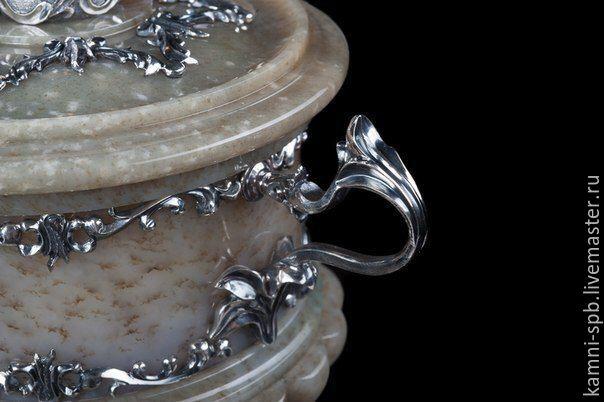 Ваза для конфет из медового нефрита и серебра 925 пробы
