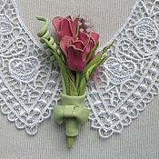 Украшения ручной работы. Ярмарка Мастеров - ручная работа Бутоньерка из кожи с розовыми тюльпанчиками. Handmade.