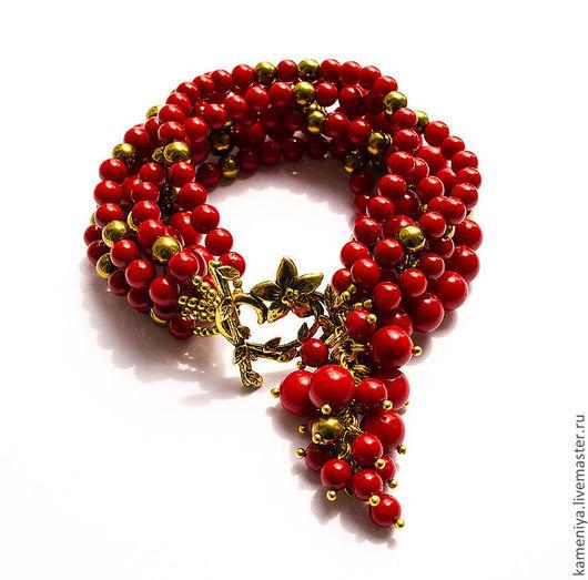 Браслеты ручной работы. Ярмарка Мастеров - ручная работа. Купить Коралловый браслет многорядный с подвеской RED. Handmade. Ярко-красный