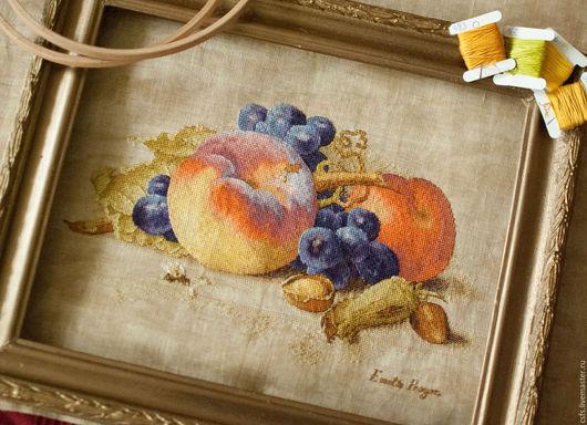 Натюрморт ручной работы. Ярмарка Мастеров - ручная работа. Купить Натюрморт с персиком. Handmade. Натюрморт, пчела, фиолетовый