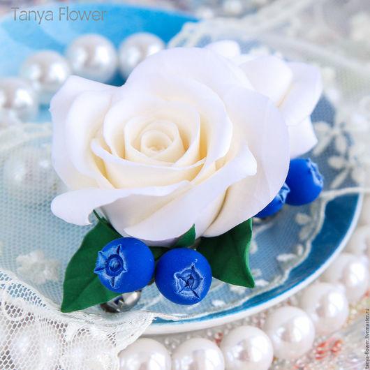 Свадебные украшения ручной работы. Ярмарка Мастеров - ручная работа. Купить Заколка-автомат с розами и голубикой. Handmade. Украшение для волос