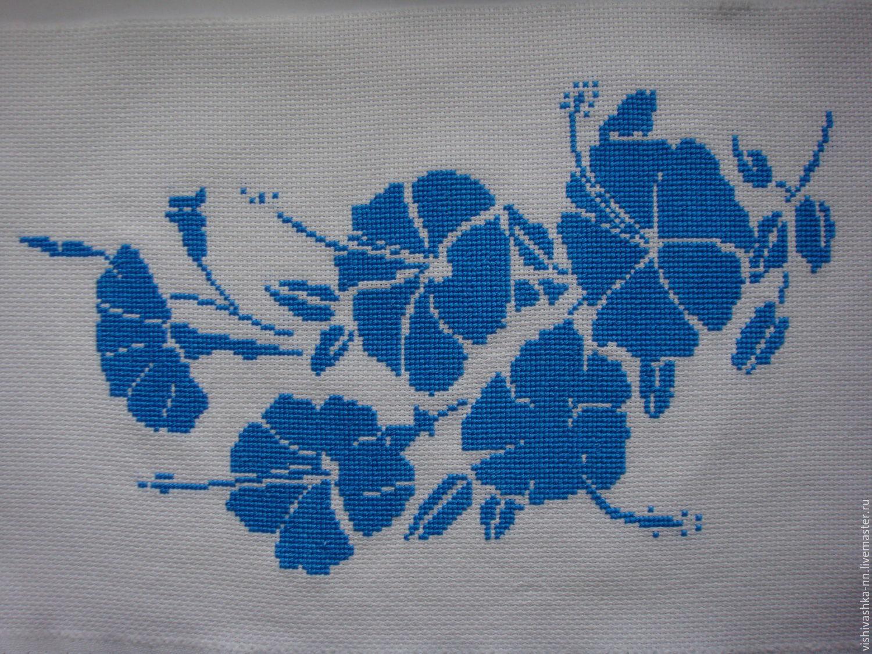 Монохромная вышивка крестом цветов