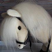 Куклы и игрушки ручной работы. Ярмарка Мастеров - ручная работа Лошадка белая (со скелетом внутри). Handmade.