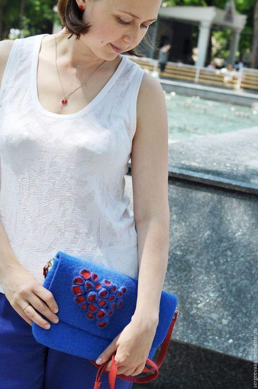 Женские сумки ручной работы. Ярмарка Мастеров - ручная работа. Купить Сумка валяная синий с красным. Handmade. Тёмно-синий