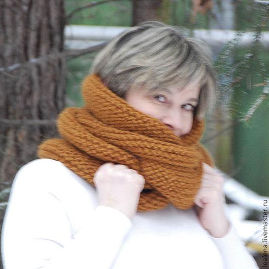 """Шали, палантины ручной работы. Ярмарка Мастеров - ручная работа. Купить Очень теплый снуд-шарф """"Золотистый"""" (шерсть). Handmade."""