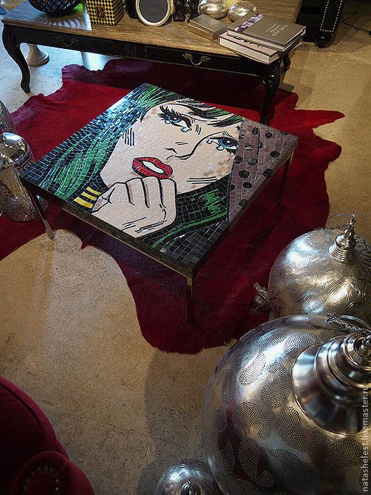 Стол с мозаичной столешницей. Интерпретация работы Роя Лихтенштейна, поп-арт. Стол в интерьере. Наталья Шестакова - дизайнер, декоратор.