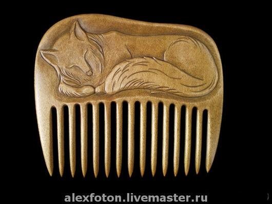 """Гребни, расчески ручной работы. Ярмарка Мастеров - ручная работа. Купить Гребень для волос деревянный """"Спящий лис"""". Handmade. животные"""