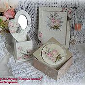 """Сувениры и подарки ручной работы. Ярмарка Мастеров - ручная работа Зеркало и расческа """"Нежный винтаж"""" в подставке. Handmade."""