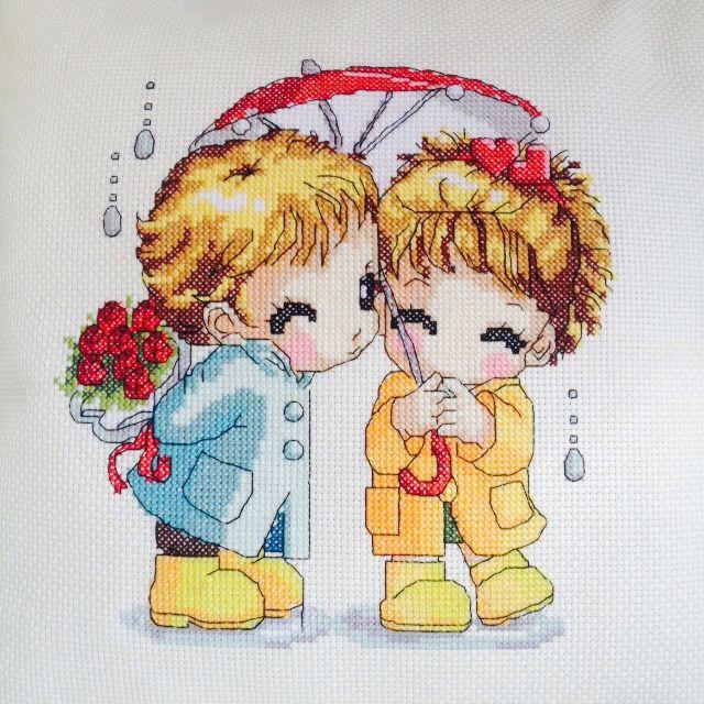 Вышивка девочки с зонтом