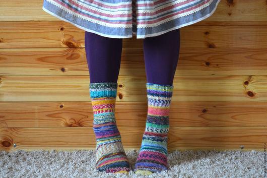 Вязаные носки шерстяные в стиле деревенский шик. Шерстяные носочки вязаные из немецкой носочной пряжи. Вязаные носки женские для дома. Носки вязаные для тепла и уюта. Вязаные носки купить. Весна 2017.