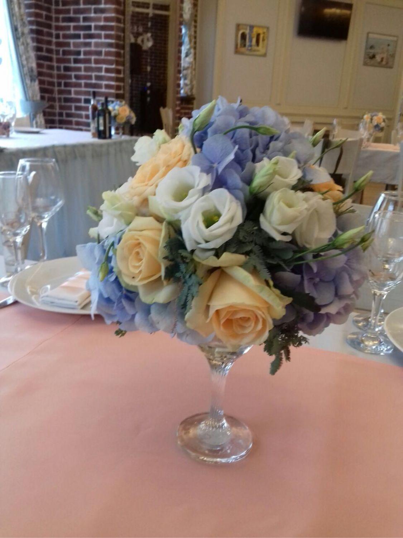 Композиция из живых цветов, Свадебные цветы, Москва, Фото №1