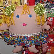 """Для дома и интерьера ручной работы. Ярмарка Мастеров - ручная работа Подушка-игрушка """"Девочка с салатовыми бантиками"""". Handmade."""