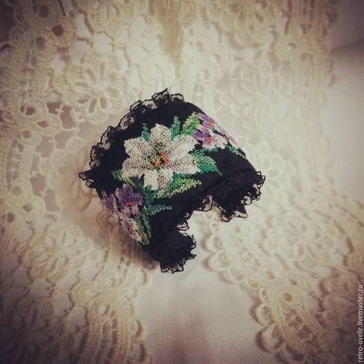 """Браслеты ручной работы. Ярмарка Мастеров - ручная работа. Купить Браслет с вышивкой """"Вальс цветов"""". Handmade. Черный, винтажный стиль"""