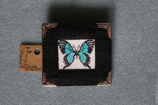 Броши ручной работы. Ярмарка Мастеров - ручная работа. Купить Брошь-картинка Бабочка. Handmade. Бабочка, вышивка, канва