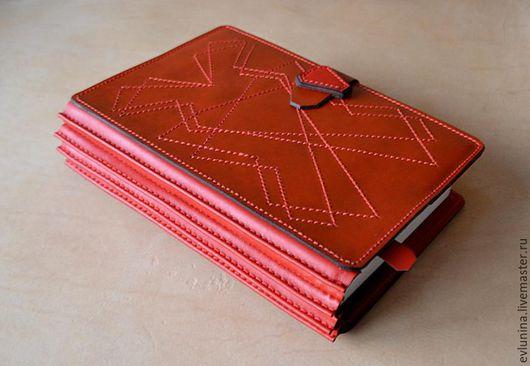 Обложки ручной работы. Ярмарка Мастеров - ручная работа. Купить кожаная обложка для книги. Handmade. Ярко-красный, обложка для книги