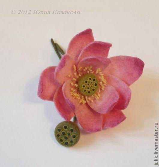 """Броши ручной работы. Ярмарка Мастеров - ручная работа. Купить Войлочная брошь """"Лотос"""". Handmade. Лотос, цветы, проволока"""