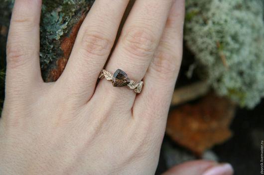 Кольца ручной работы. Ярмарка Мастеров - ручная работа. Купить Резное кольцо с дымчатым кварцом. Handmade. Подарок девушке