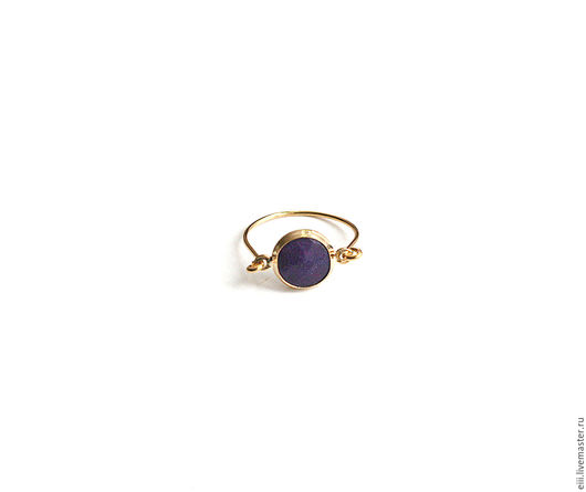 Кольца ручной работы. Ярмарка Мастеров - ручная работа. Купить Крошечное кольцо с нефритом темно-фиолетового цвета. Handmade. Подарок