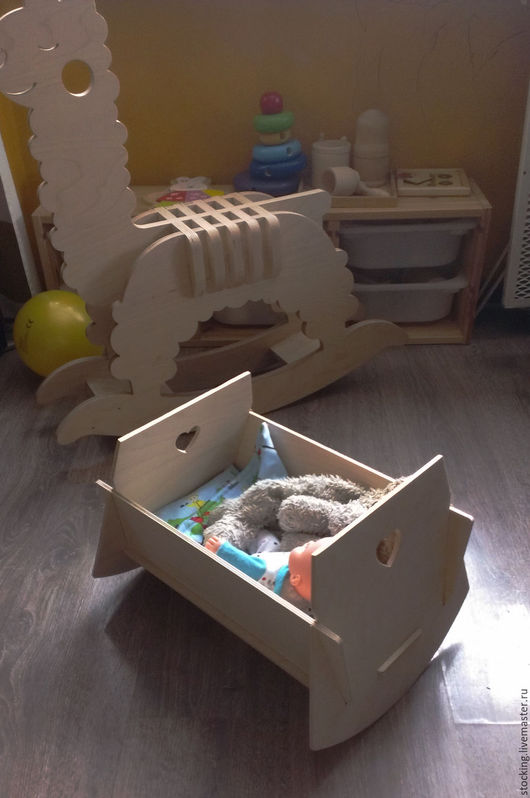 Кукольный дом ручной работы. Ярмарка Мастеров - ручная работа. Купить Кроватка для куклы.. Handmade. Кроватка, качалка, кроватка на заказ