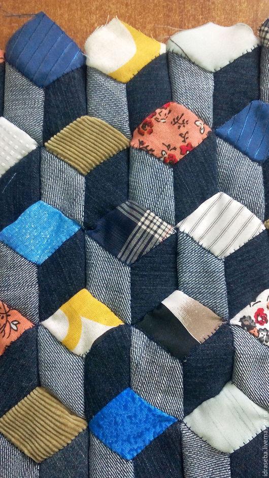 Изделия из лоскутиков. От покрывал до салфеток. Сделаю на заказ. Полотна для сумок, покрывал, элементы для отделки. 900 руб. за кв. метр