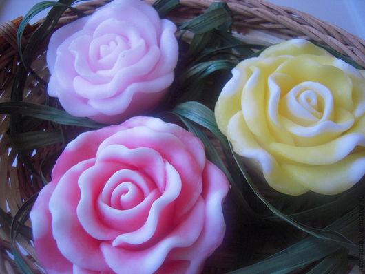 """Подарочные наборы косметики ручной работы. Ярмарка Мастеров - ручная работа. Купить Подарочный набор мыла """"Ароматные Розы """". Handmade."""