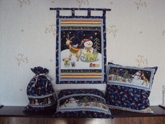 Новогодний комплект в детскую комнату (панно, 2 подушки и мешок для подарков)