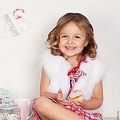 Работы для детей, ручной работы. Ярмарка Мастеров - ручная работа ЖИЛЕТ меховой для девочки из коллекции CHRISTMAS ANGEL. Handmade.
