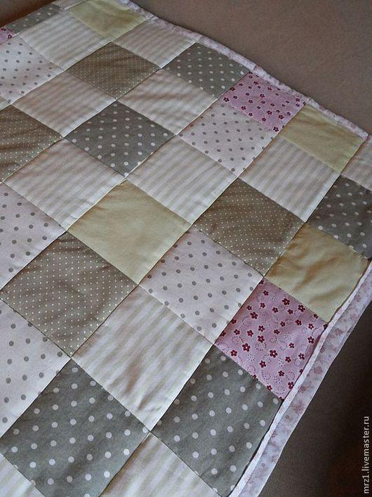Пледы и одеяла ручной работы. Ярмарка Мастеров - ручная работа. Купить Лоскутное одеяло. Handmade. Салатовый, лоскутное одеяло, розовый