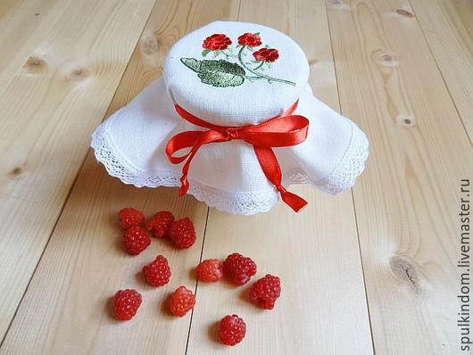 Крышечка для баночки с вареньем `Малина` `Шпулькин дом` мастерская вышивки