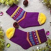Аксессуары ручной работы. Ярмарка Мастеров - ручная работа Яркие вязаные женские шерстяные носки в подарок. Handmade.