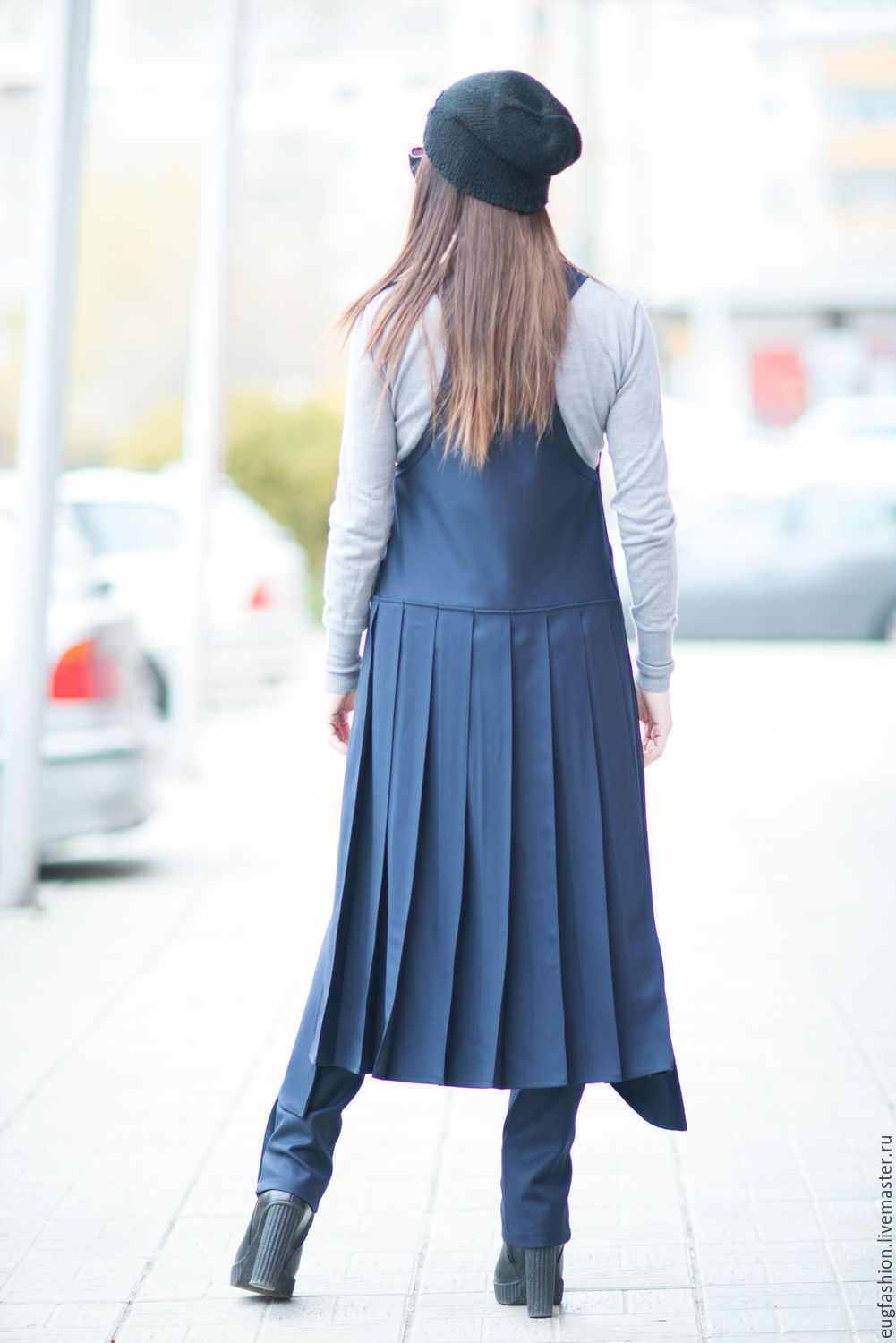 Long womens vest with pockets. Fashionable vest in the office. Sleeveless cardigan. Cardigan with pleats. Dark blue vest.