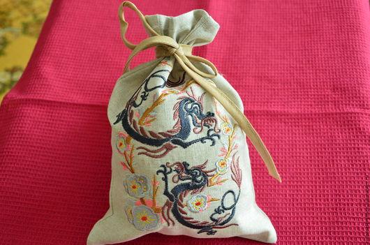 """Кухня ручной работы. Ярмарка Мастеров - ручная работа. Купить Льняной мешочек для чая """"Китайский дракон"""". Handmade. Серый"""