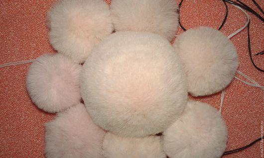 Комплекты аксессуаров ручной работы. Ярмарка Мастеров - ручная работа. Купить меховые помпоны из кролика. Handmade. Комбинированный, меховые изделия