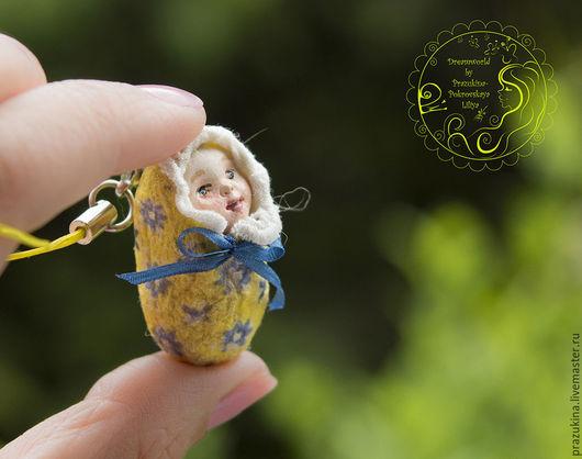 """Брелоки ручной работы. Ярмарка Мастеров - ручная работа. Купить Миниатюрная куколка Незабудка из серии """"Лялечки-коконы"""". Handmade. Желтый"""