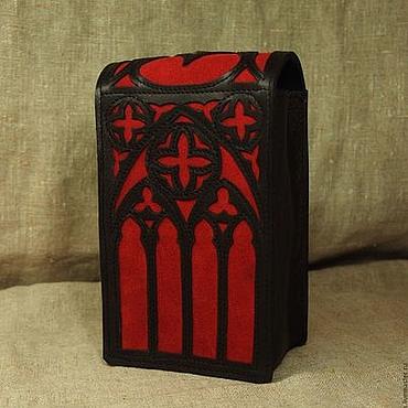 Фен-шуй и эзотерика ручной работы. Ярмарка Мастеров - ручная работа Футляр для крупной колоды карт Таро в готическом стиле черно красный. Handmade.