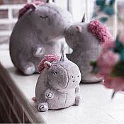 Мягкие игрушки ручной работы. Ярмарка Мастеров - ручная работа Мягкие игрушки:Единорог. Handmade.