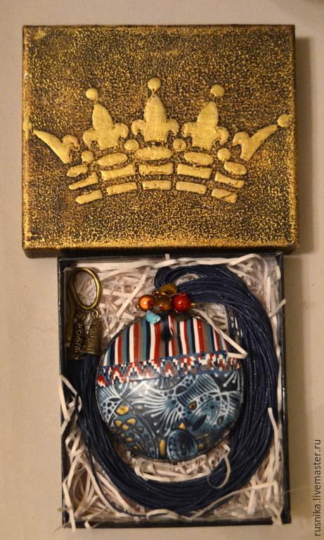 Кулоны, подвески ручной работы. Ярмарка Мастеров - ручная работа. Купить Кулон из полимерной глины МИЛА. Handmade. русника