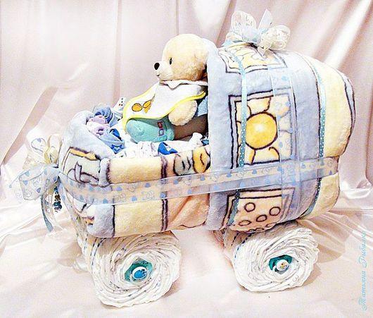 """Подарки для новорожденных, ручной работы. Ярмарка Мастеров - ручная работа. Купить Колясочка из памперсов для мальчика """"Весёлая прогулка"""". Handmade. Подарок"""