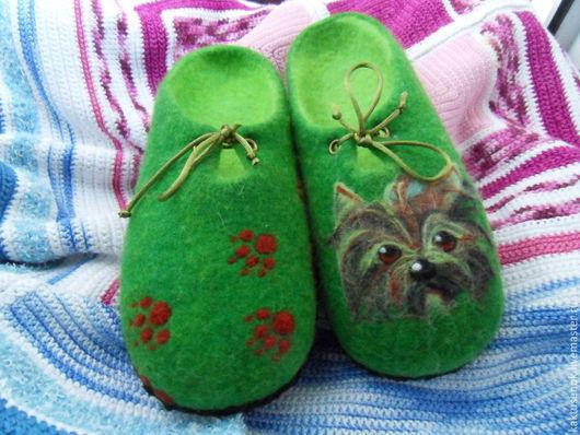 """Обувь ручной работы. Ярмарка Мастеров - ручная работа. Купить Тапочки """" Мой друг Йорик"""". Handmade. Болотный"""