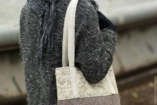 Женские сумки ручной работы. Ярмарка Мастеров - ручная работа. Купить Сумка валяная с полосой из набивной ткани.. Handmade. Комбинированный